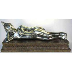 Liggende Buddha i sølv. 45 cm.
