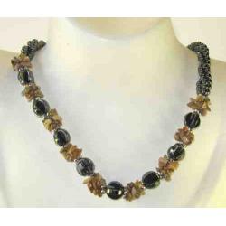 Hæmatit halskæde, b