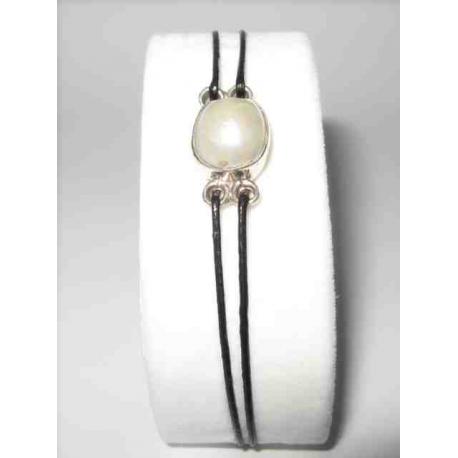 Armbånd med perle