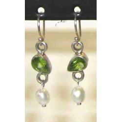 Sølv øreringe med Peridot og Perle